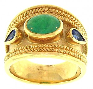 Heavy 18k yellow gold ring with jade & sapphires